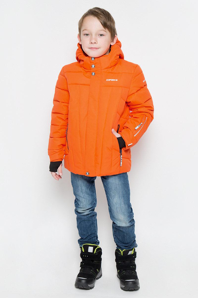 Куртка для мальчика Icepeak Nixon Jr, цвет: оранжевый. 650023553IV. Размер 152650023553IVКуртка, изготовленная из водоотталкивающей и ветрозащитной ткани, которая создает оптимальный микроклимат внутри куртки, утеплена синтепоном. В качестве подкладки используется полиэстер. Помимо этого здесь использовался утеплитель Super soft touch, состоящий из множества слоев тончайших волокон, которые обеспечивают отличную термоизоляцию, но не утяжеляют изделие. Куртка с воротником-стойкой и капюшоном застегивается на молнию с ветрозащитным клапаном на кнопках и липучках. Капюшон пристегивается при помощи кнопок. Рукава дополнены внутренними эластичными манжетами с прорезью для большого пальца. Также манжеты дополнены хлястиками на липучках. С внутренней стороны у модели предусмотрена снегозащитная юбка. Куртка дополнена двумя врезными карманами на застежках-молниях и потайными карманами на молнии и для шапки. На левом рукаве предусмотрен карман для ski pass. Низ куртки дополнен кулиской со стопперами. Изделие дополнено светоотражающим элементом для безопасности ребенка в темное время суток.