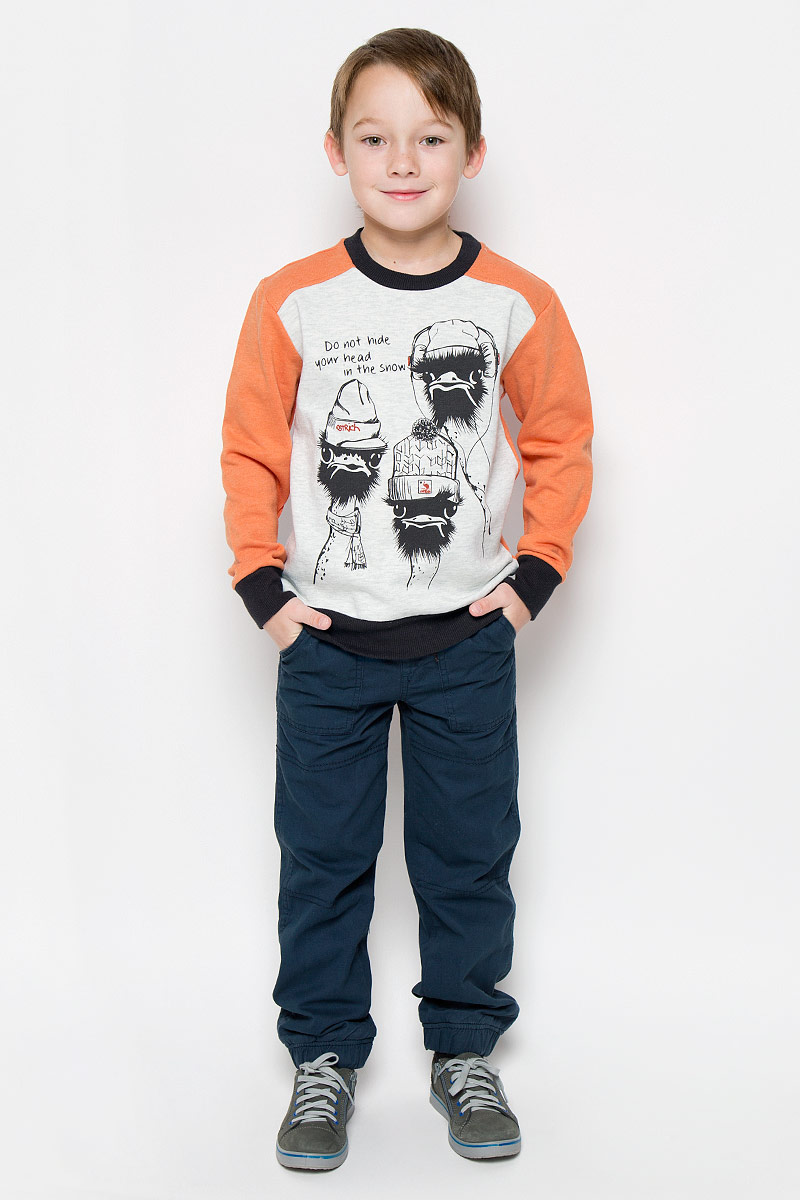 Свитшот для мальчика Sela, цвет: оранжевый, серый. St-813/152-6415. Размер 122, 7 летSt-813/152-6415Свитшот для мальчика Sela с длинными рукавами-реглан и круглым вырезом горловины выполнен из хлопка с добавлением полиэстера. Лицевая сторона изделия гладкая, внутренняя имеет мягкую флисовую отделку. Изделие оформлено принтом с изображением двух страусов в шапочках и надписью Do Not Hide Your Head in the Snow. Рукава, низ и горловина свитшота дополнены эластичными манжетами.