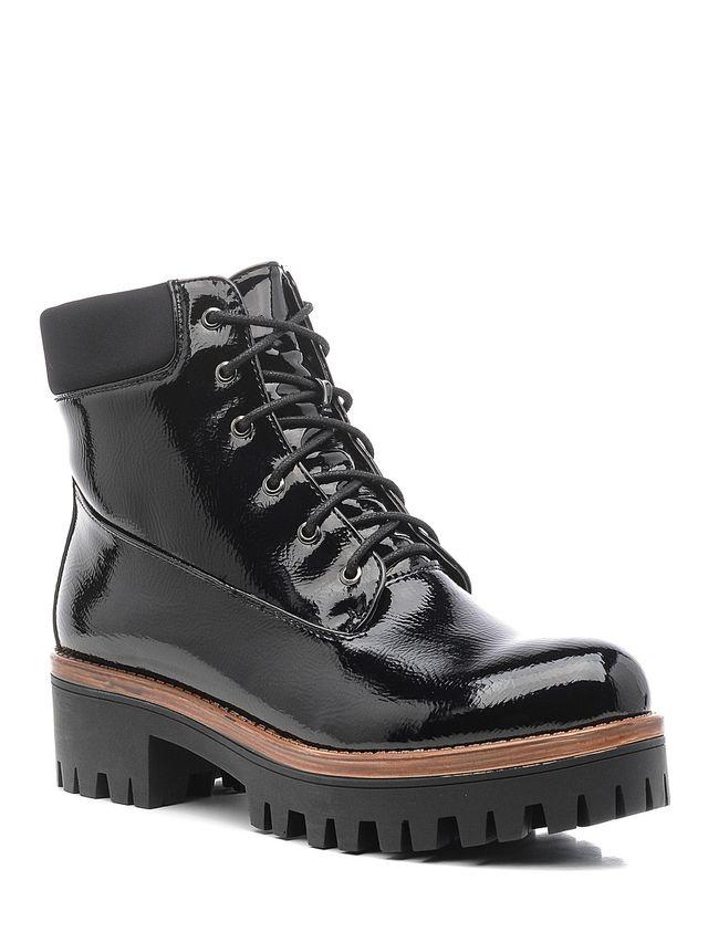 Ботинки женские Daze, цвет: черный. 16505Z-1-2F. Размер 3616505Z-1-2FСтильные женские ботинки Daze выполнены из искусственной кожи. Удобная шнуровка надежно фиксирует модель на ноге. Такие ботинки отлично подойдут для тех, кто хочет подчеркнуть свою индивидуальность.