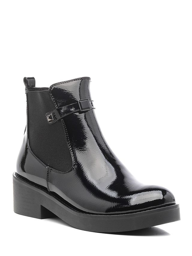 Ботинки женские Daze, цвет: черный. 16423Z-1-1F. Размер 3916423Z-1-1FСтильные женские ботинки Daze выполнены из искусственной кожи. Модель дополнена декоративным ремешком. Такие ботинки отлично подойдут для тех, кто хочет подчеркнуть свою индивидуальность.
