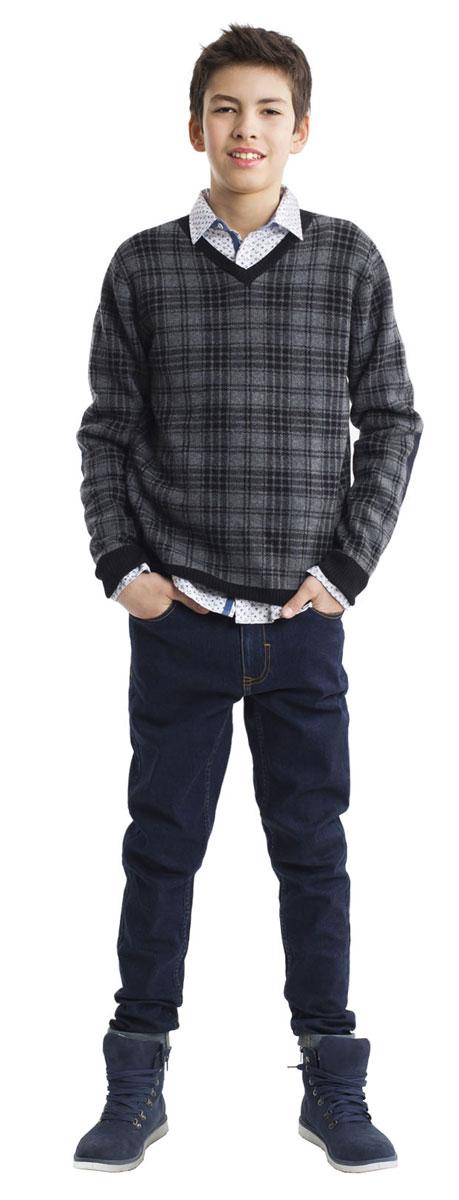 Джинсы для мальчика Gulliver Кобальт, цвет: темно-синий. 21611BTC6305. Размер 158, 12-13 лет21611BTC6305Модные джинсы для мальчика Gulliver Кобальт выполнены из хлопка с добавлением полиэстера и эластана. Модель-слим застегивается на пуговицу и имеет ширинку с застежкой-молнией. На поясе предусмотрены шлевки для ремня. Регулировка в поясе на эластичной тесьме с пуговицами обеспечит идеальную посадку по фигуре. Спереди расположены два втачных кармана и один накладной, сзади - два накладных кармана.