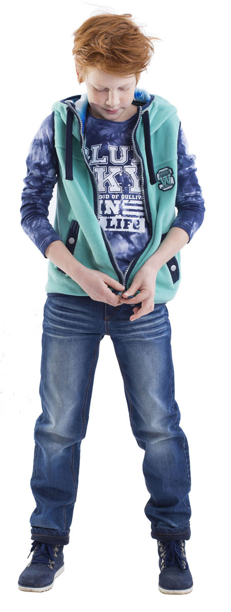 Джинсы для мальчика Gulliver, цвет: синий джинс. 21608BKC6402. Размер 14021608BKC6402Утепленные джинсы - это возможность быть стильным и современным в любую погоду! Тонкий флис на внутренней части модели не создает ненужного объема, сохраняя актуальную чуть зауженную форму модели, но делает джинсы теплыми и уютными. Модные зимние джинсы с потертостями и варкой - залог отличного настроения во время длительных прогулок в холодный и ненастный день.