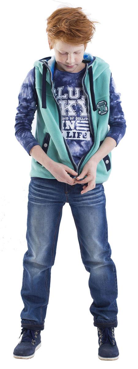 Футболка с длинным рукавом для мальчика Gulliver, цвет: синий. 21608BKC1201. Размер 12221608BKC1201Детские футболки - основа повседневного гардероба! Удобная и красивая, стильная футболка с модным неравномерным крашением способна добавить образу изюминку, а также подарить комфорт и свободу движений. Если вы хотите приобрести модную и удобную вещь на каждый день, вам стоит купить футболку с длинным рукавом! Крупный принт добавляет модели изюминку. Мягкий хлопок с эластаном обеспечивает прекрасный внешний вид и комфорт в повседневной носке.