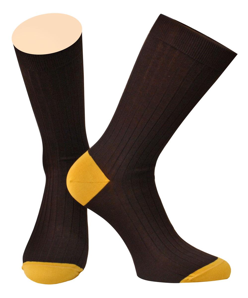 Носки мужские Collonil, цвет: коричневый, желтый. 2-95/62. Размер 39/412-95/62Мужские носки Collonil изготовлены из 100% мерсеризованного хлопка, который обеспечивает великолепную посадку на ноге. Материал изделия тактильно приятный, позволяет коже дышать.Удлиненная широкая резинка не сдавливает и комфортно облегает ногу. Модель оформлена полосками по всему мысу и паголенку изделия.Удобные хлопковые носки станут отличным дополнением к вашему гардеробу.