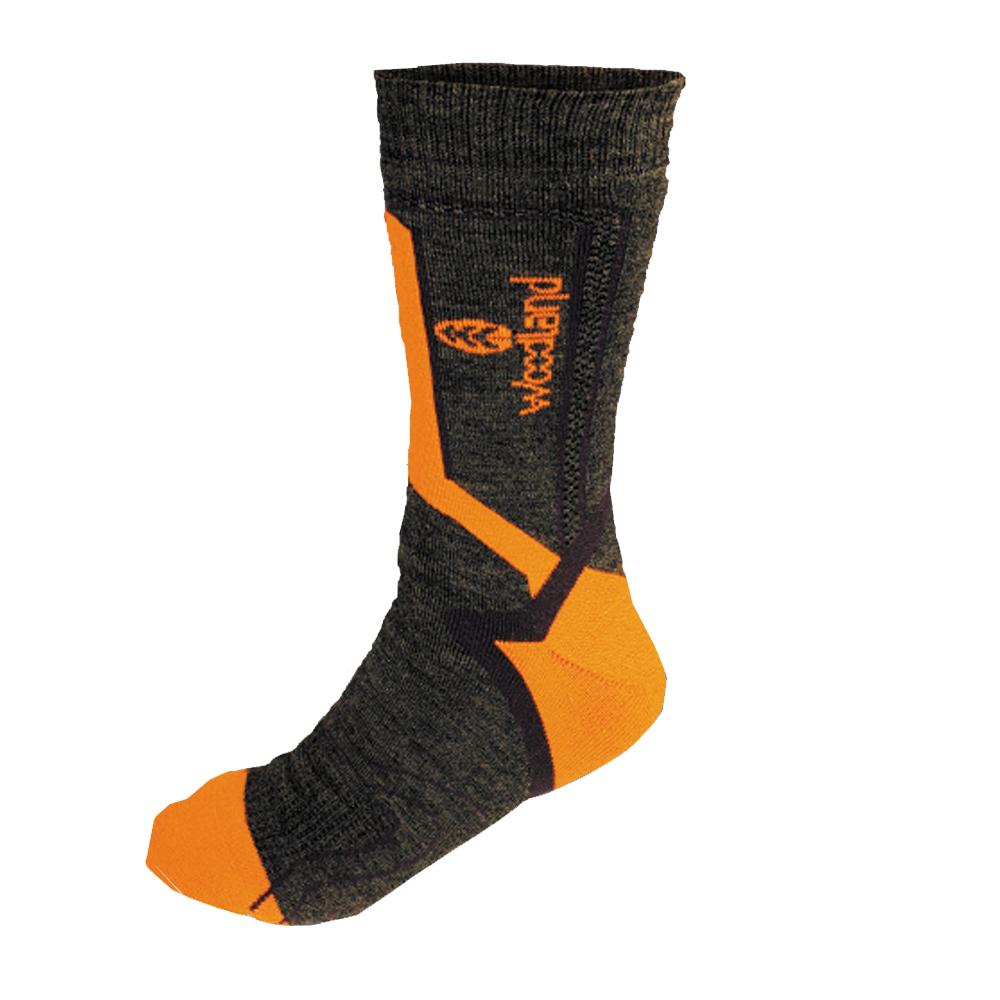 Термоноски Woodland Ultra, цвет: серый, оранжевый, черный. 0055093. Размер 44/46UltraТермоноски Woodland - это специально разработанные носки обеспечивающие максимальный комфорт в условиях низких температур. Отличительной особенностью является функциональность и гипоалнргенность за счет высокотехнологичных современных материалов. Носки разработаны для использования без высоких физических нагрузок в условиях очень низких температур. Максимальное количество акрила в составе носка позволяет увеличить теплозащиту в 1,5 раза по отношению к аналогичному шерстяному носку. Зона испарения избыточной влаги в верхней передней части позволяет максимально эффективно удерживать тепло внутри носка и отводить влагу. Специальное усиление пятки увеличивает износостойкость изделия. Носки Woodland Ultra это сбалансированный сбалансированный комплекс для защиты ваших ног от переохлаждения в самый суровый мороз.