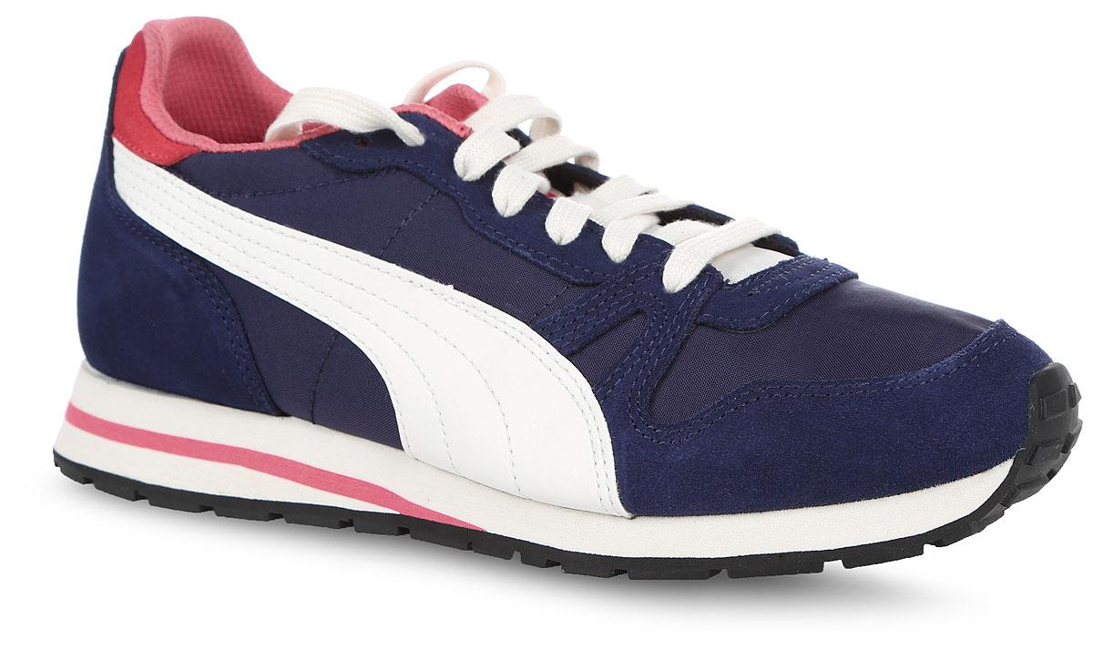 Кроссовки женские Puma Yarra Classic, цвет: синий. 36140406. Размер 4 (36)36140406В модели кроссовок Yarra Classic от Puma за основу взят классический дизайн Duplex и функциональные элементы, характерные для беговой обуви 1980-х. Верх изделия - это сочетание нейлона, замши и ткани, но теперь Yarra Classic выглядит весьма актуально, будучи представленной в широкой гамме модных в этом сезоне расцветок. Классическая шнуровка надежно зафиксирует изделие на ноге. Прочная подошва с рифлением гарантирует сцепление с любой поверхностью. Прекрасный выбор для тех, кто ищет стильную обувь. Такие кроссовки отлично подчеркнут ваш спортивный образ.