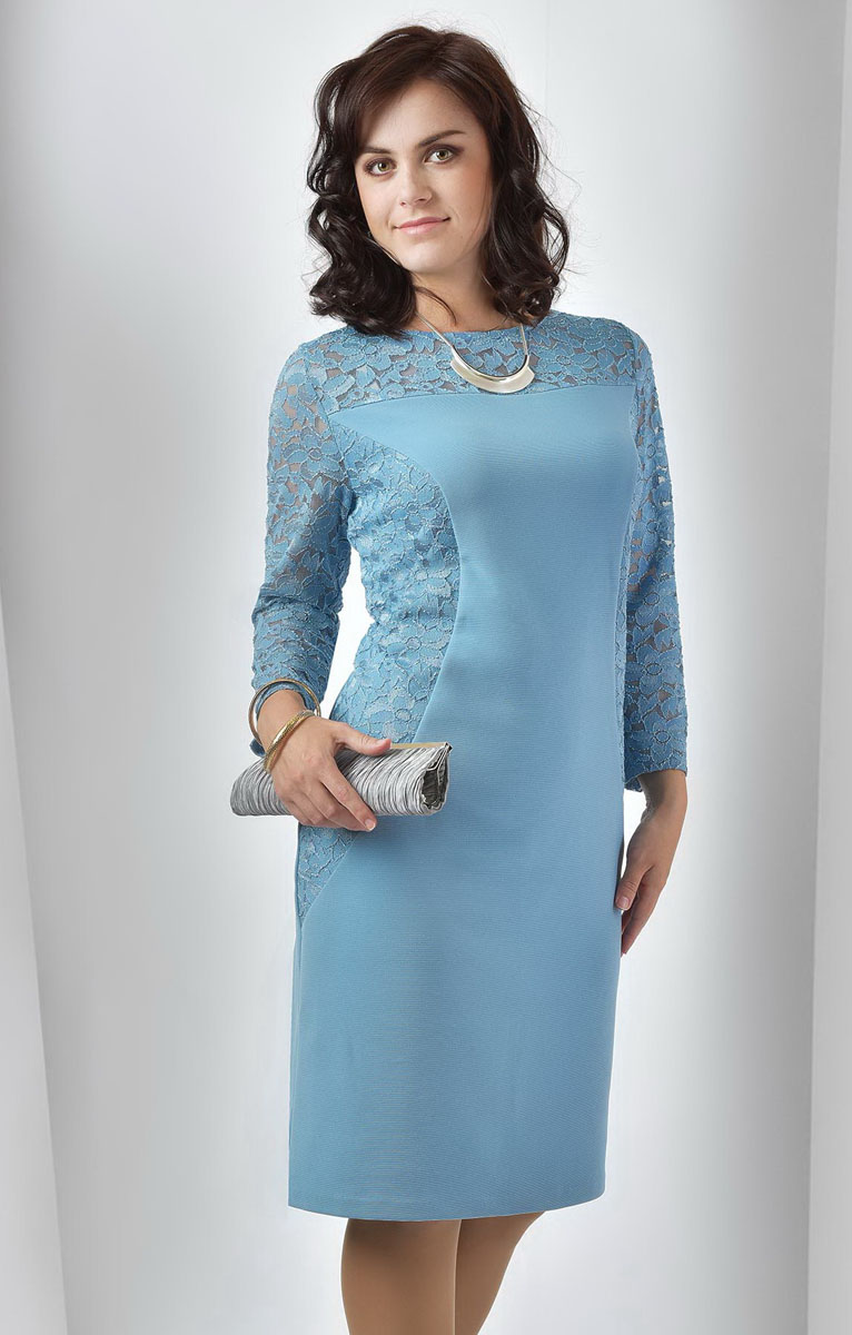 Платье Milana Style, цвет: темно-голубой. 955м. Размер XL (50)955мПлатье Milana Style выполнено из полиэстера с добавлением вискозы и лайкры. Платье-миди с круглым вырезом горловины и рукавами длинной 7/8. Модель оформлено кружевными вставками с цветочным узором.