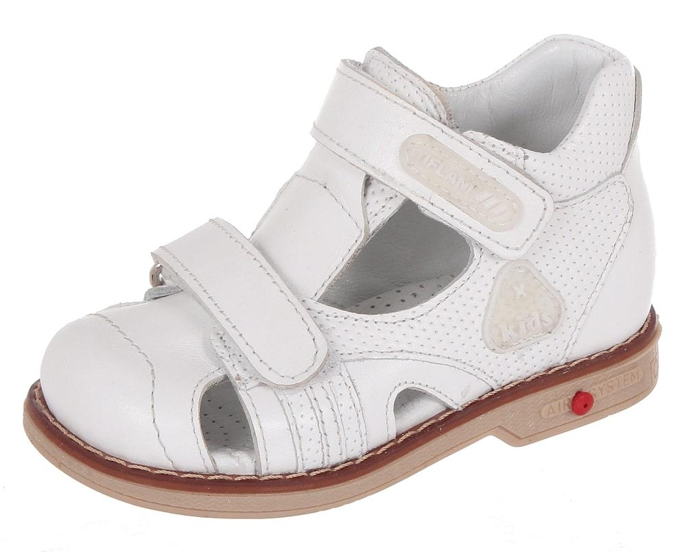 Сандалии детские Tiflani, цвет: белый. 22B 0505/07. Размер 2322B 0505/07Детские сандалии от Tiflani, выполненные из высококачественных натуральных материалов, не только гарантируют удобство, но и служат для создания оригинального образа. Модель оформлена широкими ремешками с застежками-липучками, позволяющими регулировать обхват по размеру.Подошва обладает отличными теплопроводными свойствами, гибкостью и износостойкостью. Каждое движение в этой обуви приносит радость и удовольствие.