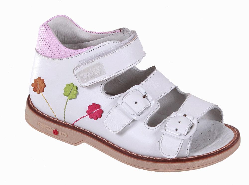 Сандалии для девочки Tiflani, цвет: белый. 22B 0506/02. Размер 2222B 0506/02Детские сандалии для девочек от Tiflani, выполненные из высококачественных натуральных материалов, очень удобны и невероятно легки. Верх модели оформлен декоративными швами и отстрочкой. Модель оформлена широкими ремешками с застежками на пряжке и липучке, позволяющими регулировать обхват по размеру.Подошва обладает отличными теплопроводными свойствами, гибкостью и износостойкостью. Каждое движение в этой обуви приносит радость и удовольствие.