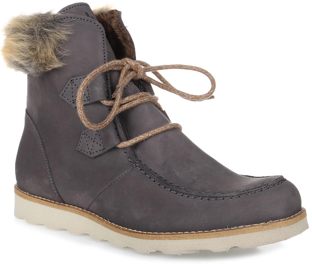 Ботинки женские TBS Ariana, цвет: серый. ARIANA-O7141. Размер 38 (37)ARIANA-O7141Трендовые женские ботинки Ariana от TBS - модель для ценителей современной качественной обуви! Модель выполнена из натурального нубука и на голенище дополнена искусственным мехом. Мысок прострочен. Внутренняя поверхность и стелька из кожи обеспечат комфорт и уют вашим ногам. Прочная резиновая подошва гарантирует длительную носку и сцепление с любой поверхностью. Оригинальная шнуровка надежно фиксирует обувь на ноге.