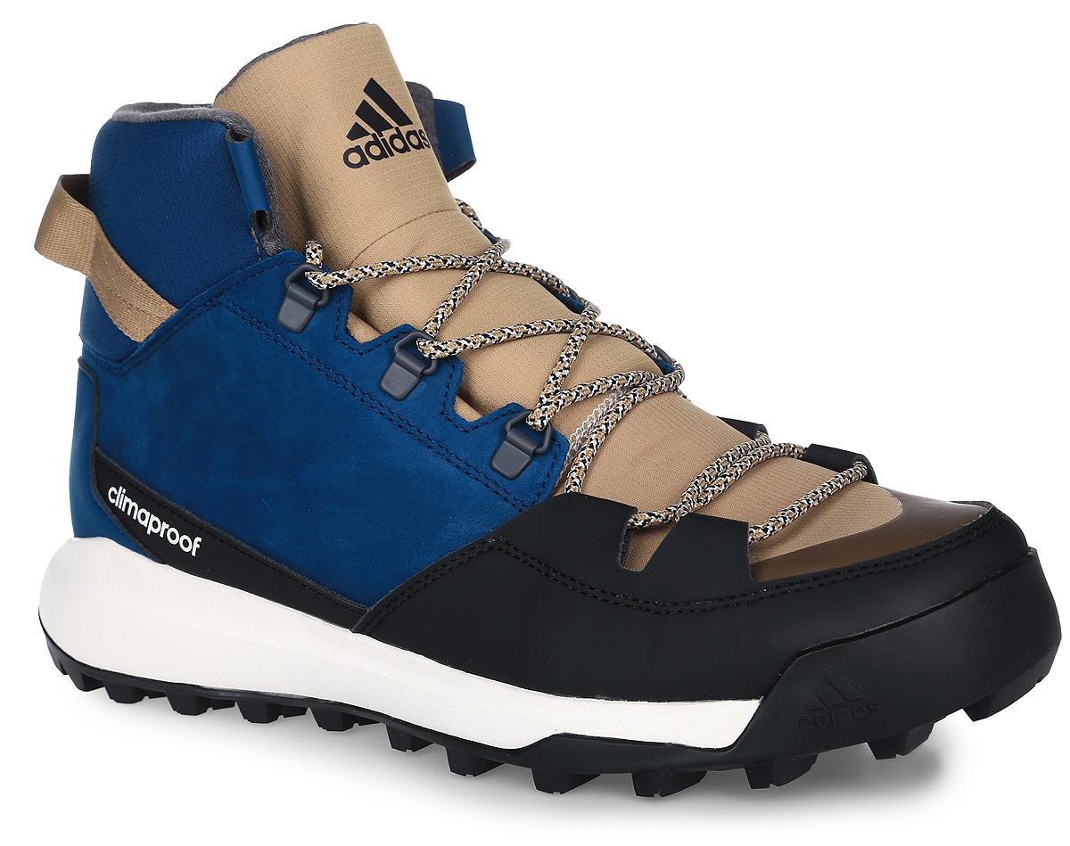Ботинки мужские adidas CW Winterpitch Mid, цвет: синий, черный. AQ6573. Размер 11,5 (45)AQ6573Мужские туристические ботинки CW Winterpitch Mid от adidas с водонепроницаемой мембраной Climaproof защищают ноги от влаги в суровых условиях зимнего хайкинга и на городских улицах. Модель выполнена из натурального нубука в средней части стопы со вставками из износостойких искусственных материалов и материала Ripstop для дополнительной защиты. Резиновая подошва Stealth обеспечивает непревзойденное сцепление на скользких поверхностях. На пятке расположен ремешок для удобства надевания и сниания. Классическая шнуровка надежно зафиксирует модель на ноге.