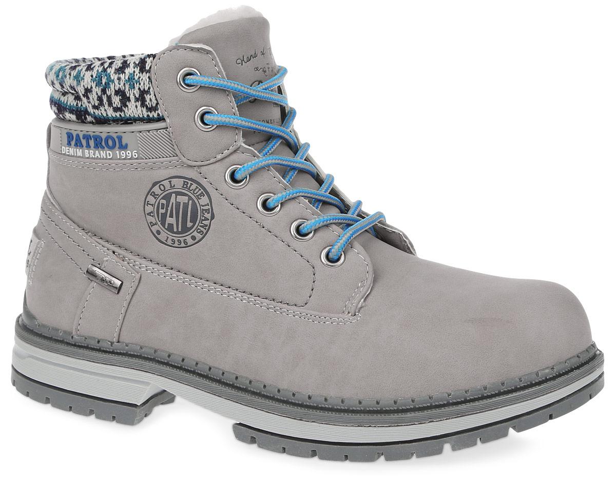 Ботинки женские Patrol, цвет: светло-серый. 261-143IM-17w-04-41. Размер 38261-143IM-17w-04-41Женские ботинки от Patrol выполнены из искусственного нубука, на язычке и сбоку оформлены тиснением с логотипом бренда. Подкладка, исполненная из искусственного меха, сохранит ваши ноги в тепле. Съемная стелька EVA с поверхностью из искусственного меха обеспечивает отличную амортизацию и максимальный комфорт. Шнуровка позволяет оптимально зафиксировать модель на ноге. Подошва, выполненная из термопластичного материала, обеспечит надежное сцепление на любых поверхностях.
