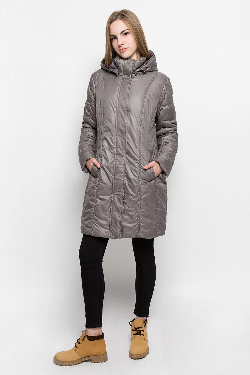Куртка женская Luhta Pirja, цвет: тауп. 636486356LV. Размер 42 (48)636486356LVЖенская куртка Luhta Pirja с длинными рукавами, съемным капюшоном на кнопках и воротником-стойкой выполнена из полиэстера. Утеплитель - синтепон.Куртка застегивается на застежку-молнию спереди, оснащена ветрозащитным клапаном на кнопках. Изделие дополнено двумя втачными карманами на кнопках спереди и внутренним втачным карманом на застежке-молнии. Модель украшена стеганым узором.