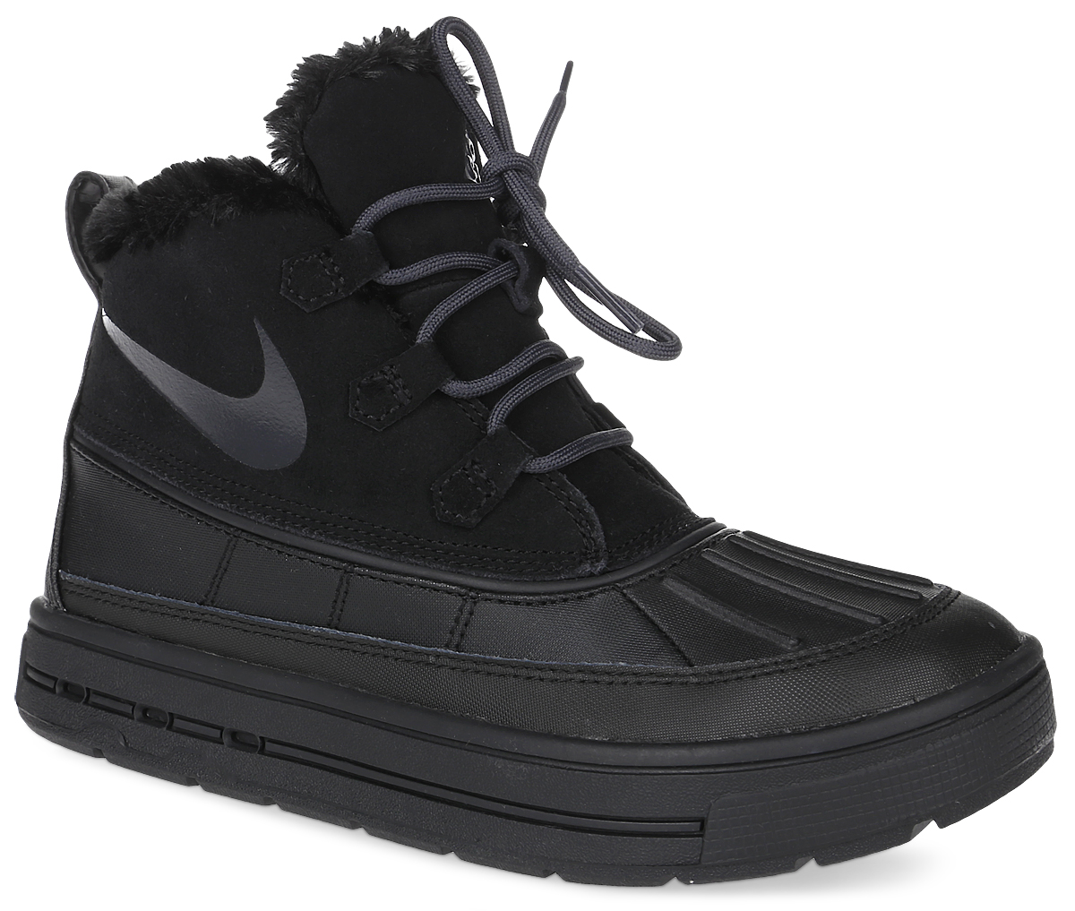 Ботинки детские Nike Woodside Chukka 2 (GS), цвет: черный. 859425-002. Размер 5 (37)859425-002Ботинки Nike Woodside Chukka 2 выполнены из сочетания искусственной и натуральной кожи, дополнена резиновой вставкой. Подкладка изготовлена из искусственного меха. Модель на шнуровке. Вставка phylon по всей длине подошвы обеспечивают мягкую амортизацию. Резиновая подошва оснащена протектором.