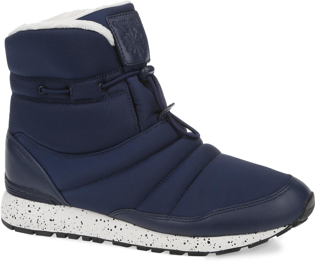 Полусапоги женские Reebok GL Puff Boot, цвет: темно-синий. AR0608. Размер 6 (36)AR0608Снег и слякоть - не повод отказываться от прогулок. Полусапоги GL Puff Boot от Reebok - как раз то, что нужно для такой погоды. Оригинальная застежка в виде регулируемого шнурка, высокий дизайн и подкладка гарантируют тепло.Модель выполнена из ткани с влагоотталкивающим покрытием и кожаными вставками в области пятки и мыска. Подкладка Thinsulate и искусственный мех обеспечивают мягкость и тепло. Легкая литая промежуточная подошва из ЭВА обеспечивает оптимальную амортизацию. Стойкая к истиранию, прочная резиновая подошва гарантирует отличное сцепление с поверхностью.
