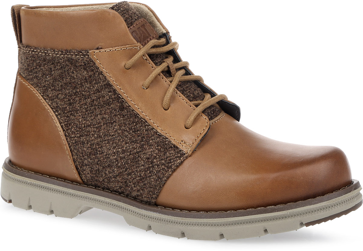 Ботинки женские Caterpillar Alessia, цвет: коричневый. P309043. Размер 7H (38)P309043Стильные женские ботинки Caterpillar Alessia идеально подойдут для прогулок в осеннем сезоне. Верх комбинирован из натуральной высококачественной кожи с текстильными вставками, что позволяет чувствовать себя комфортно в любую погоду. Антиабразивные компоненты подошвы гарантируют прочность и долгий срок службы без трещин и разрывов. Особый покрой модели разработан с учетом анатомии женской стопы. Резиновая подошва обеспечивает высокую степень надежности и сцепление на поверхности. Классическая шнуровка надежно фиксирует обувь на ноге.