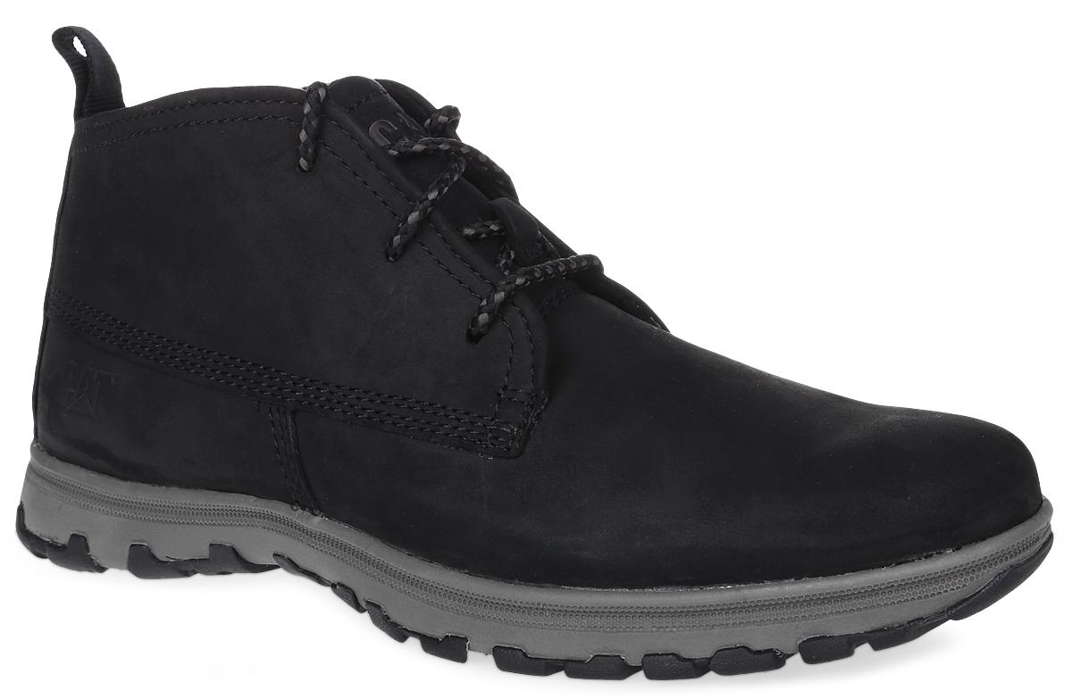 Ботинки мужские Caterpillar Cue Fleece, цвет: черный. P720613. Размер 7 (40)P720613Утепленные мужские ботинки Caterpillar Cue Fleece для путешествий и активного отдыха сочетают в себе классический верх и спортивную облегченную подошву, также идеальны для городских прогулок. Верх ботинок выполнен из натуральной кожи, а утеплитель - из флиса, что позволяет чувствовать себя комфортно в любую погоду. Антиабразивные компоненты подошвы гарантируют прочность и долгий срок службы без трещин и разрывов. Резиновая подошва обеспечивает высокую степень надежности и сцепление на поверхности. Облегченная подошва, делает ботинок невесомым. Классическая шнуровка надежно фиксирует обувь на ноге.