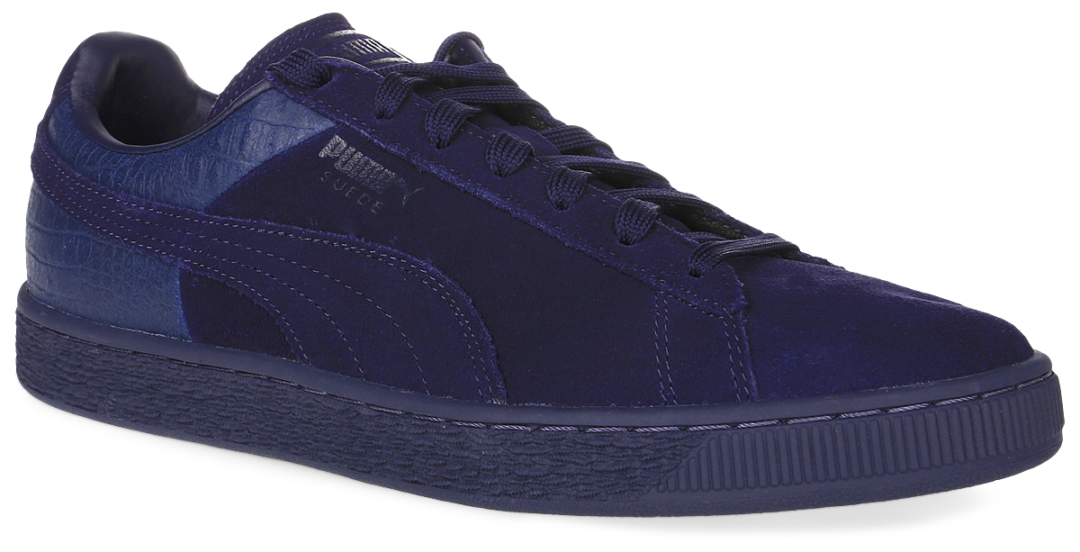 Кеды мужские Puma Suede Classic Casual Emboss, цвет: синий. 36137202. Размер 9,5 (43)36137202Без сомнения самая известная и популярная модель от Puma произвела в свое время настоящую революцию в мире спортивной обуви, став неотъемлемым аксессуаром молодежи, исповедующей активный стиль жизни во всем мире. Культовая модель Suede Classic сегодня объединяет традиционный верх из мягкой высококачественной замши с оригинальным кожаным задником и выглядит просто классно! Внутренний материал и стелька обеспечивают наибольший комфорт. Классическая шнуровка надежно фиксирует изделие на ноге. Резиновая подошва гарантирует идеальное сцепление с поверхностью.Кеды оформлены эмблемой Puma Formstrip с обеих сторон, а также фирменным логотипом Puma - на язычке и пятке.