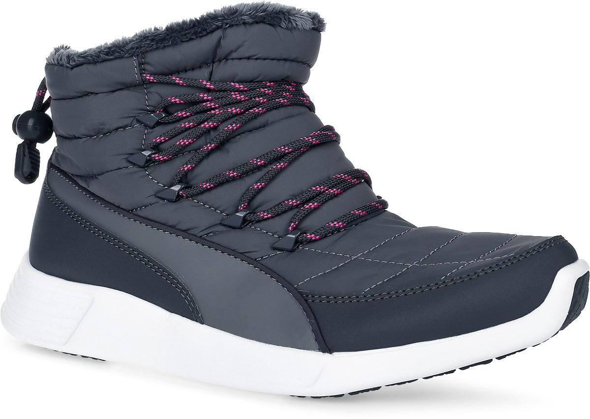 Ботинки женские Puma ST Winter Boot, цвет: серый. 36121603. Размер 6 (38)36121603Ботинки ST Winter Boot - ваш лучший компаньон для зимних прогулок. Верх модели выполнен из нейлона, простеганного вместе с утепляющей подложкой, спереди носок имеет дополнительную защиту от грязи, а подкладка из искусственного меха создает дополнительный уют. Система шнуровки, заимствованная у туристских ботинок, добавляет удобства и подчеркивает образ крепких и элегантных зимних ботинок, которые могут прослужить вам не один сезон, оставаясь актуальными.