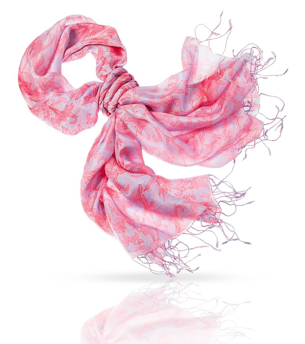 Палантин Michel Katana, цвет: розовый, серый. S-IVY. Размер 110 см х 180 смS-IVY/LILACЭтот палантин создан специально для женщин, про которых говорят в ней что-то есть. Энергичный, смелый узор может доминировать, если вы расправите легкое шелковое полотно, или служить яркой деталью, если завязать палантин на шее, на груди или даже на поясе. В любом случае - с этим аксессуаром вы будете неотразимы!