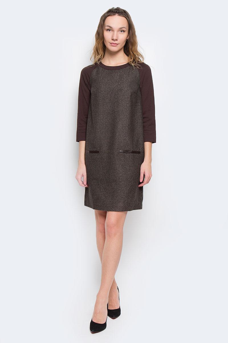 Платье Baon, цвет: коричневый. B455541. Размер M (46)B455541Стильное платье Baon, выполненное из высококачественного плотного материала с подкладкой, обеспечит вам тепло и безупречный внешний вид.Модель прямого свободного кроя с трикотажными укороченными рукавами-реглан и круглым вырезом горловины оформлена узором елочка. Изделие застегивается на скрытую пластиковую молнию на спинке. Спереди платье дополнено имитацией врезных карманов, декорированных полосками искусственной кожи.Это модное и в тоже время комфортное платье послужит отличным дополнением к вашему гардеробу. В таком платье можно отправиться на работу в холодную погоду.