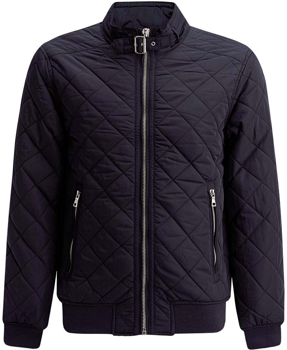 Куртка мужская oodji Lab, цвет: темно-синий. 1L111015M/44330N/7900N. Размер M-182 (50-182)1L111015M/44330N/7900NСтильная мужская куртка oodji Lab изготовлена из высококачественного полиэстера. В качестве утеплителя используется полиэстер.Стеганая модель с воротником-стойкой застегивается на застежку-молнию и дополнительно на небольшой ремешок в области воротника. Спереди расположены два втачных кармана на застежках-молниях, с внутренней стороны - прорезной карман на молнии.Манжеты рукавов дополнены трикотажными напульсниками. По низу куртка также дополнена трикотажной резинкой.