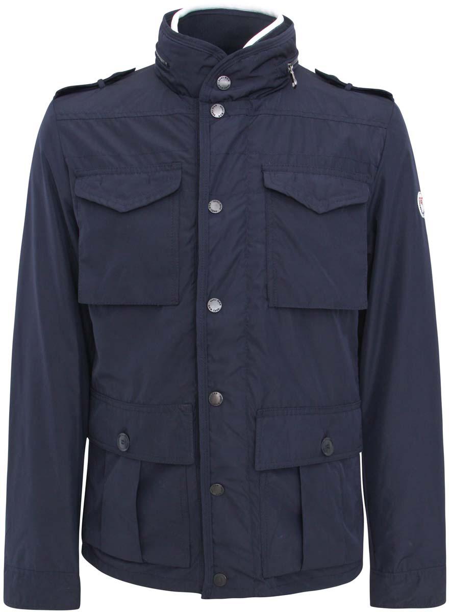 Куртка мужская oodji Basic, цвет: темно-синий. 1B401001M/23466N/7900N. Размер M (50-182)1B401001M/23466N/7900NСтильная мужская куртка oodji Basic изготовлена из полиэстера. Модель застёгивается на молнию и кнопки. Спереди на куртке расположены четыре накладных кармана под клапанами, два н кнопках и два на молниях. С внутренней стороны - прорезной карман на застежке-молнии. Манжеты рукавов фиксируются пуговицами. Ширину низа куртки можно регулировать кнопками, расположенными сзади. Плечи дополнены декоративными хлястиками на пуговицах, воротник декорирован молнией.