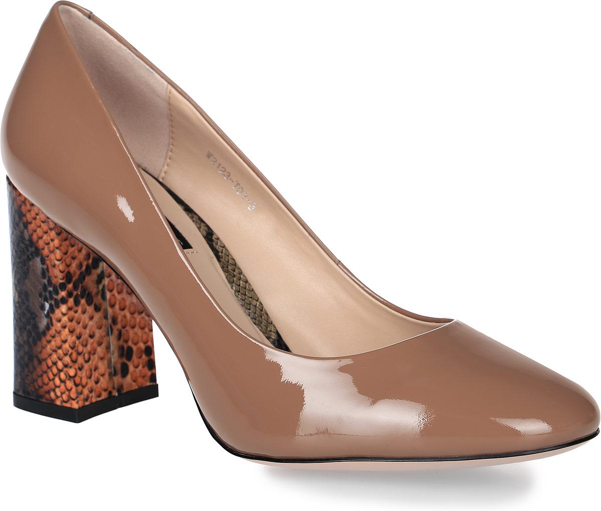 Туфли женские Graciana, цвет: светло-коричневый. W2123-T01-3. Размер 40W2123-T01-3Туфли Graciana изготовлены из натуральной кожи с лаковой поверхностью. Внутренняя поверхность и стелька выполнены из натуральной кожи, которая обеспечит комфорт при движении и предотвратит натирание. Модель оснащена высоким толстым каблуком, оформленным тиснением под рептилию. Подошва выполнена из тунита и дополнена рифлением.