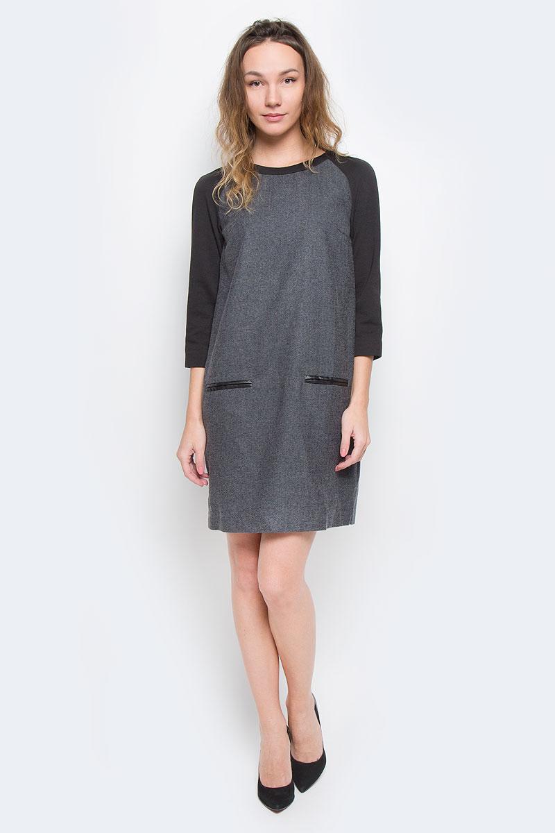 Платье Baon, цвет: серый. B455541. Размер S (44)B455541Стильное платье Baon, выполненное из высококачественного плотного материала с подкладкой, обеспечит вам тепло и безупречный внешний вид.Модель прямого свободного кроя с трикотажными укороченными рукавами-реглан и круглым вырезом горловины оформлена узором елочка. Изделие застегивается на скрытую пластиковую молнию на спинке. Спереди платье дополнено имитацией врезных карманов, декорированных полосками искусственной кожи.Это модное и в тоже время комфортное платье послужит отличным дополнением к вашему гардеробу. В таком платье можно отправиться на работу в холодную погоду.