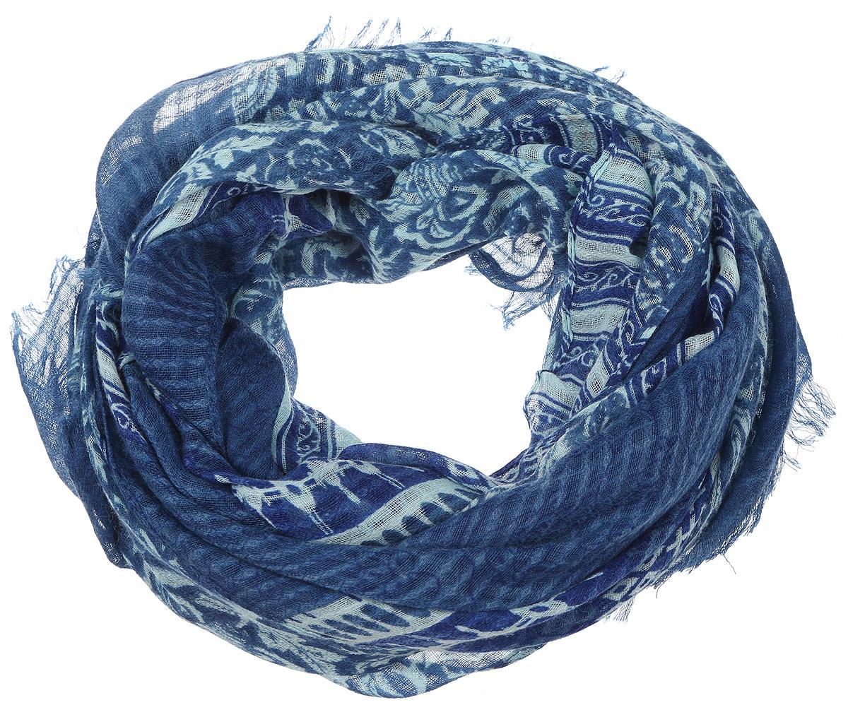 Палантин женский Sophie Ramage, цвет: синий, бледно-голубой. YY-21646-13. Размер 90 см х 180 смYY-21646-13Элегантный палантин Sophie Ramage станет достойным завершением вашего образа. Палантин изготовлен из модала с добавлением шерсти. Модель оформлена стильным узором, а края дополнены тонкой бахромой. Палантин красиво драпируется, он превосходно дополнит любой наряд и подчеркнет ваш изысканный вкус. Легкий и изящный палантин привнесет в ваш образ утонченность и шарм.