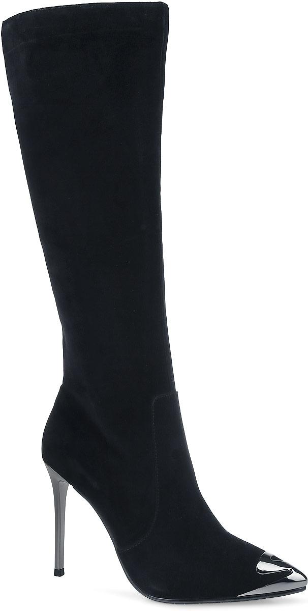 Сапоги женские Paolo Conte, цвет: черный. 91-125-51-5. Размер 4091-125-51-5Роскошные женские сапоги от Paolo Conte выполнены из натурального велюра. Подкладка и стелька выполнены из байки. Застегивается модель на боковую застежку-молнию. Высокий каблук-шпилька, стилизованный под металл, невероятно устойчив. Заостренный носок оформлен декоративной накладкой, стилизованной под металл. Подошва и каблук дополнены рифлением.