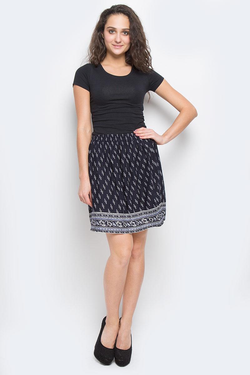 Юбка Sela Casual, цвет: темно-синий. SK-118/805-6234. Размер 48SK-118/805-6234Эффектная юбка Sela Casual подчеркнет вашу женственность и неповторимый стиль.Легкая юбка выполнена из высококачественной 100% вискозы, благодаря чему она великолепно тянется, пропускает воздух и позволяет коже дышать. Благодаря эластичной резинке на талии юбка превосходно сидит и не сковывает движений. Боковые швы дополнены втачными карманами. От линии талии заложены складки, придающие модели пышность. Оформлено изделие мелким цветочным принтом и оригинальным рисунком по подолу.Модная юбка-миди выгодно освежит и разнообразит ваш гардероб. Создайте женственный образ и подчеркните свою яркую индивидуальность!