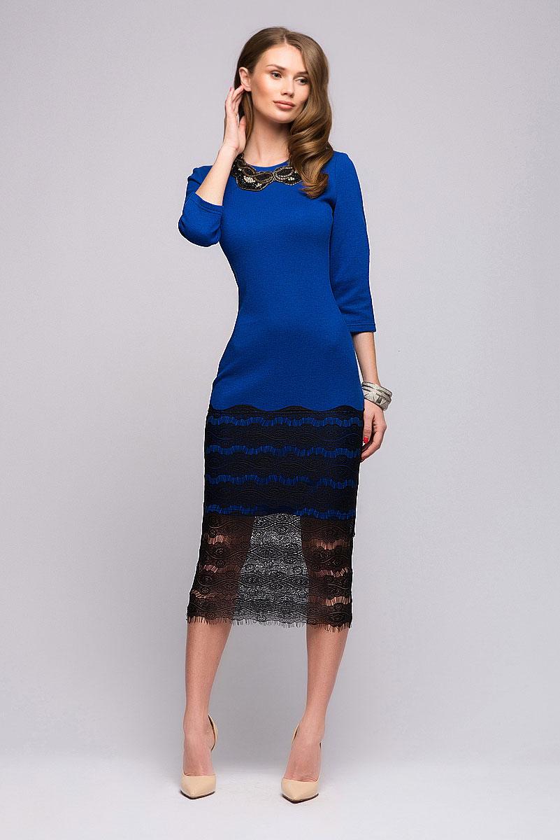 Платье 1001 Dress, цвет: синий, черный. DM00698. Размер XS (40)DM00698Потрясающее платье 1001 Dress из новой коллекции. Если вы хотите сделать будний день ярче, то это платье - настоящая находка. Глубокий цвет в сочетании с качественным кружевом, украшающим подол, отлично справятся с задачей. За счет классического покроя платья, носить его можно и на работу.