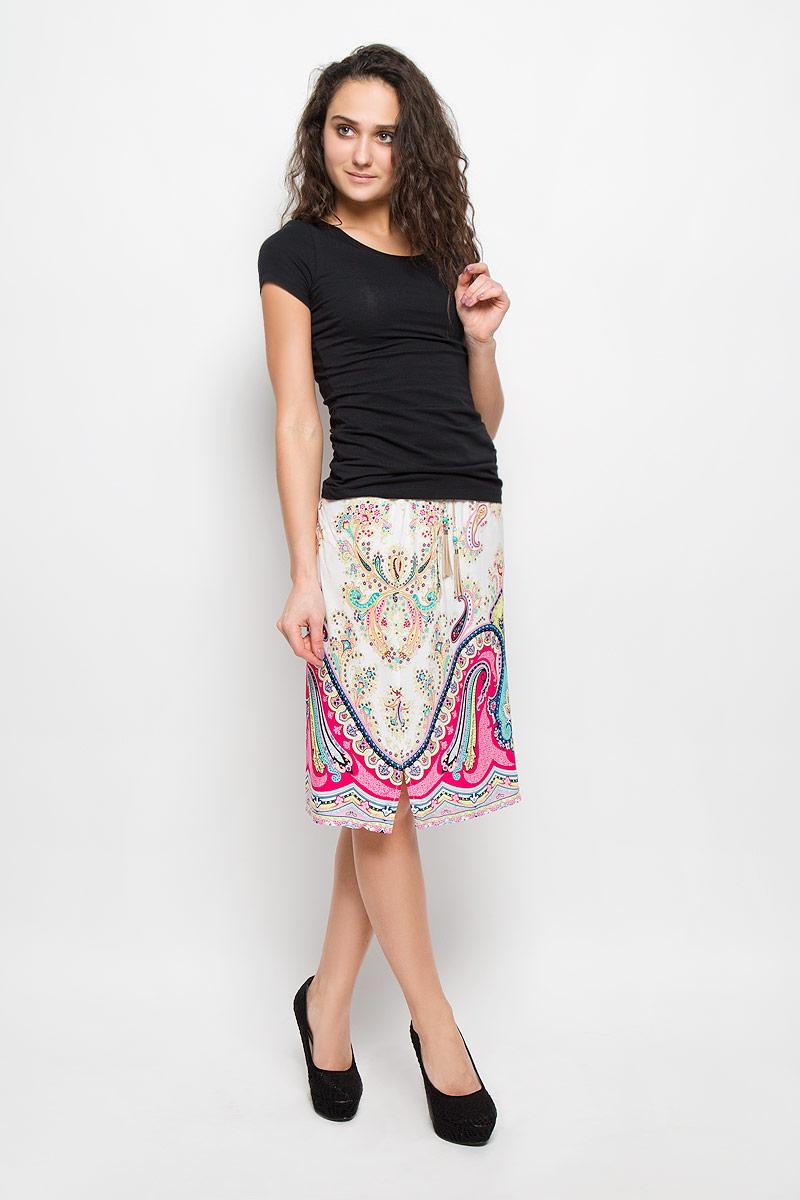 Юбка Baon, цвет: белый, розовый. B475411_FLOKS PRINTED. Размер M (46)B475411_FLOKS PRINTEDЯркая юбка Baon выполнена из легкой и приятной на ощупь вискозы. Очаровательная юбка имеет эластичную резинку на поясе и затягивается на шнурок, украшенный кисточками и бусинами. Модель дополнена двумя втачными карманами. Она оформлена красочным этническим принтом со сложным узором. Стильная юбка выгодно освежит и разнообразит любой гардероб. Создайте женственный образ и подчеркните свою яркую индивидуальность!