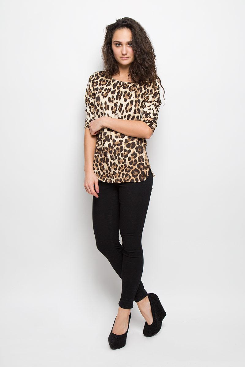 Блузка женская Baon, цвет: темно-коричневый, бежевый. B175510. Размер S (44)B175510Стильная женская блуза Baon, выполненная из высококачественного материала, подчеркнет ваш уникальный стиль и поможет создатьоригинальный женственный образ.Блузка прямого кроя с рукавами 3/4 и круглым вырезом горловины оформлена оригинальным принтом в виде пятен леопарда. Блузказастегивается на пуговицу сзади, манжеты рукавов также застегиваются на пуговицы. Легкая блуза идеально подойдет для жарких летних дней. Такая блузка будет дарить вам комфорт в течение всего дня и послужит замечательным дополнением к вашему гардеробу.