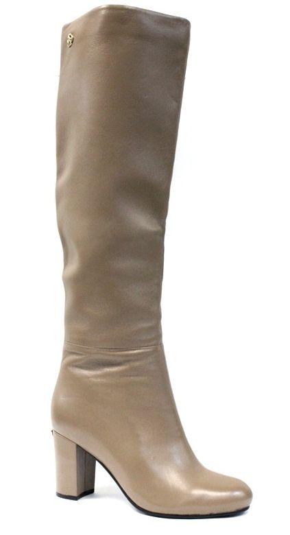 Сапоги женские Graciana, цвет: бежевый. T5075-1-3. Размер 38T5075-1-3Женские сапоги от Graciana на устойчивом каблуке выполнены из натуральной кожи. Подкладка и стелька, изготовленные из байки, обладают хорошей влаговпитываемостью и естественной воздухопроницаемостью. Подошва из полимерного термопластичного материала обеспечивает хорошую амортизацию и сцепление с любой поверхностью.