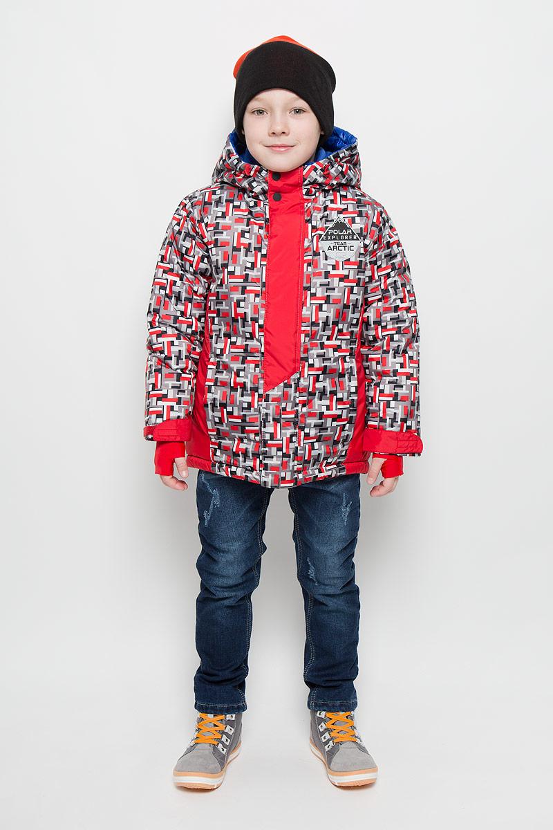Куртка для мальчика Boom!, цвет: красный, серый, черный. 64367_BOB_вар.3. Размер 116, 5-6 лет64367_BOB_вар.3Модная куртка Boom! согреет вашего мальчика в холодное время года. Куртка изготовлена из 100% полиэстера с мягкой флисовой подкладкой. В качестве наполнителя используется инновационный утеплитель Flexy Fiber, который надежно сохраняет тепло, обеспечивает циркуляцию воздуха и не задерживает влагу. Куртка с несъемным капюшоном застегивается на застежку-молнию и дополнительно на ветрозащитный клапан с кнопками и липучками. Капюшон оснащен эластичным шнурком со стопперами. Изделие дополнено спереди двумя прорезными карманами. Манжеты рукавов оснащены фиксирующими хлястиками на липучках, с внутренней стороны - эластичными напульсниками с отверстиями для пальцев, которые защитят от проникновения ветра и снега. Нижняя часть изделия с внутренней стороны дополнена эластичным шнурком со стопперами.