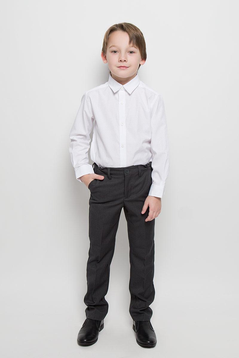 Рубашка для мальчика PlayToday, цвет: белый. 461003. Размер 98, 3 года461003Лаконичная нарядная рубашка PlayToday изготовлена из полиэстера и хлопка. Классическая модель с отложным воротником и длинными рукавами с усеченными углами застегивается на пуговицы. На манжетах также имеются застежки-пуговицы. Изделие украшено узором с легким матовым блеском.