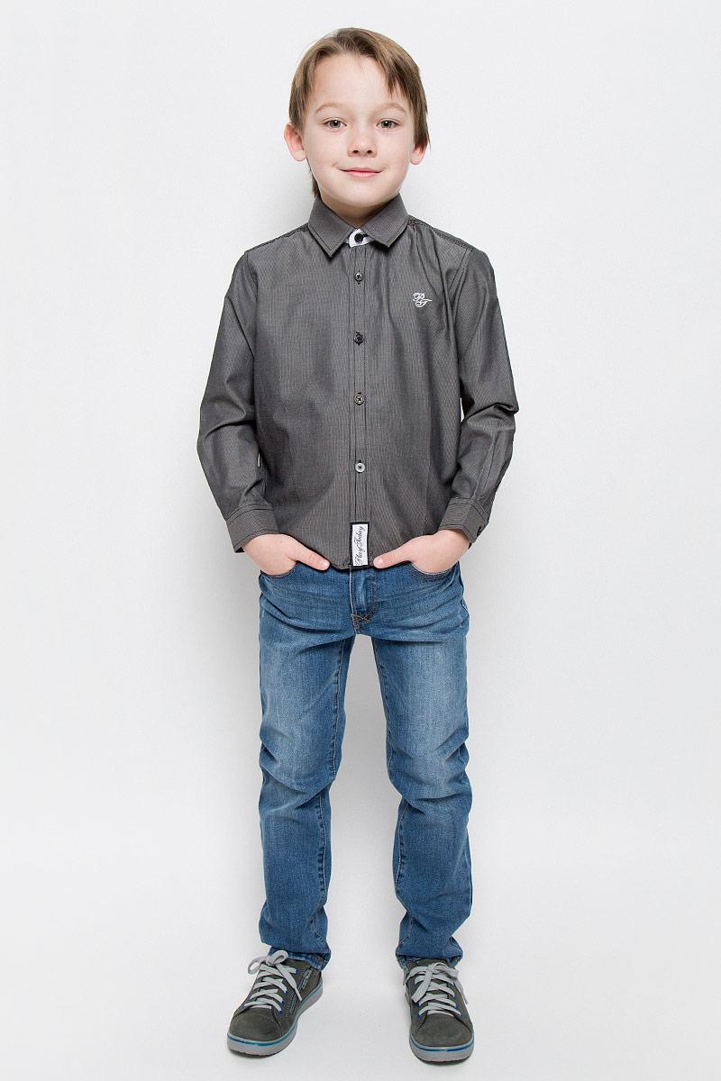 Рубашка для мальчика PlayToday, цвет: серый, черный. 451004. Размер 104, 4 года451004Рубашка для мальчика PlayToday изготовлена из хлопка и полиэстера. Классическая модель с отложным воротником и длинными рукавами застегивается на пуговицы. На манжетах также имеются застежки-пуговицы. Изделие украшено небольшой вышивкой на груди и фирменной нашивкой в нижней части.