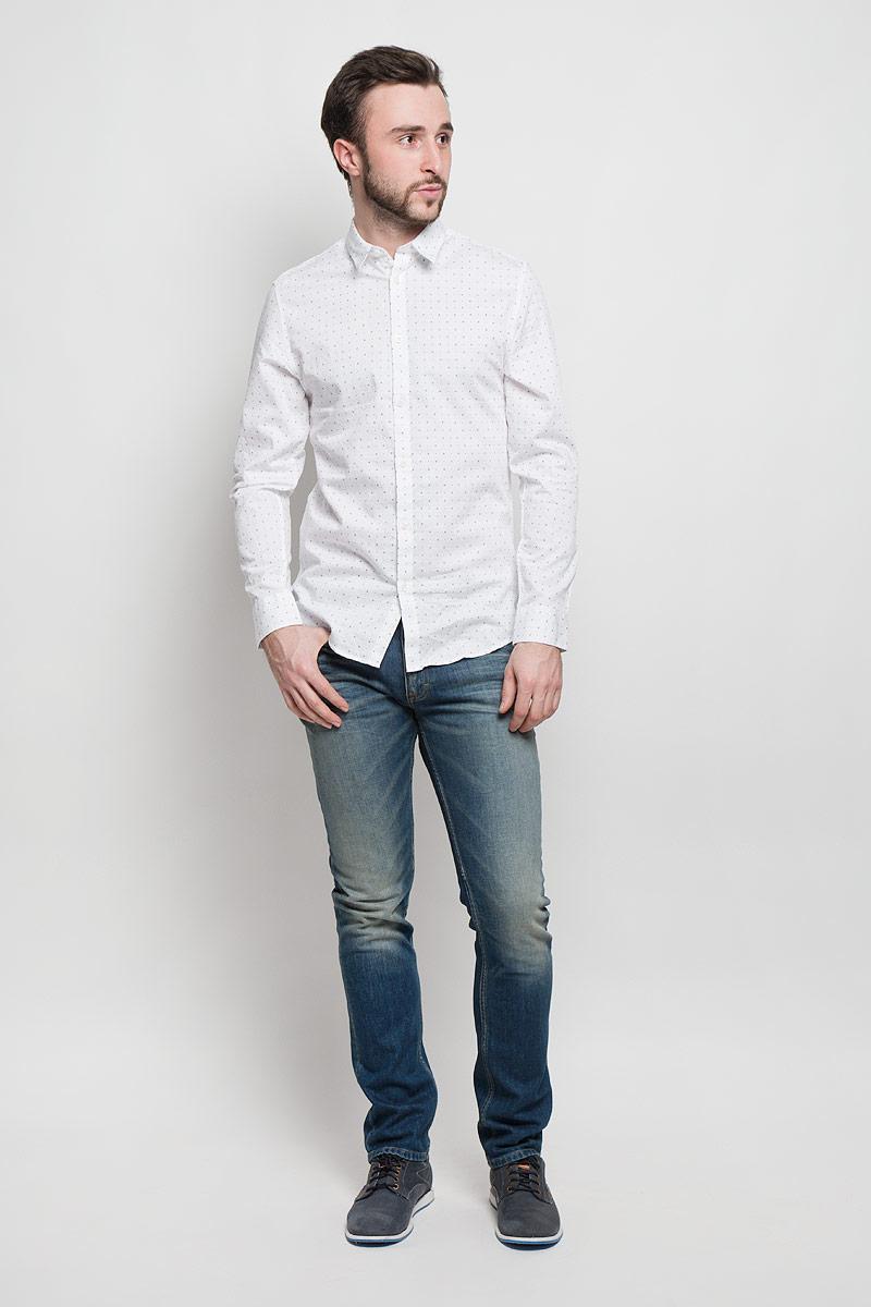 Рубашка мужская Selected Homme, цвет: белый. 16053266. Размер L (48)16053266_Bright WhiteМужская рубашка Selected Homme выполнена из натурального хлопка. Рубашка slim fit с длинными рукавами и отложным воротником застегивается на пуговицы. Манжеты рукавов также застегиваются на пуговицы. Рубашка оформлена мелким контрастным принтом.