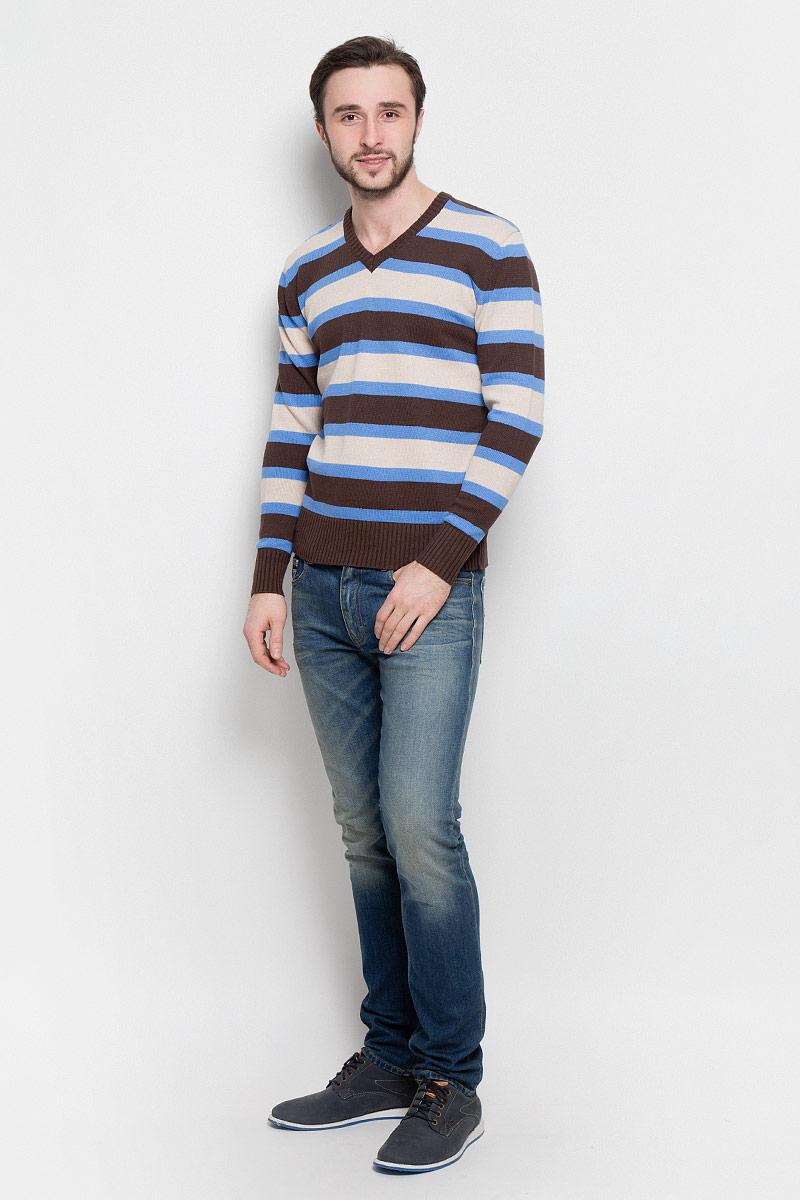 Джемпер мужской D&H Basic, цвет: коричневый, голубой, бежевый. А600200703. Размер M (50)А600200703Мужской джемпер D&H Basic с V-образным вырезом горловины и длинными рукавами изготовлен из высококачественной хлопковой пряжи.Горловина, низ и манжеты джемпера связаны резинкой. Модель оформлена узором в виде контрастных полосок.