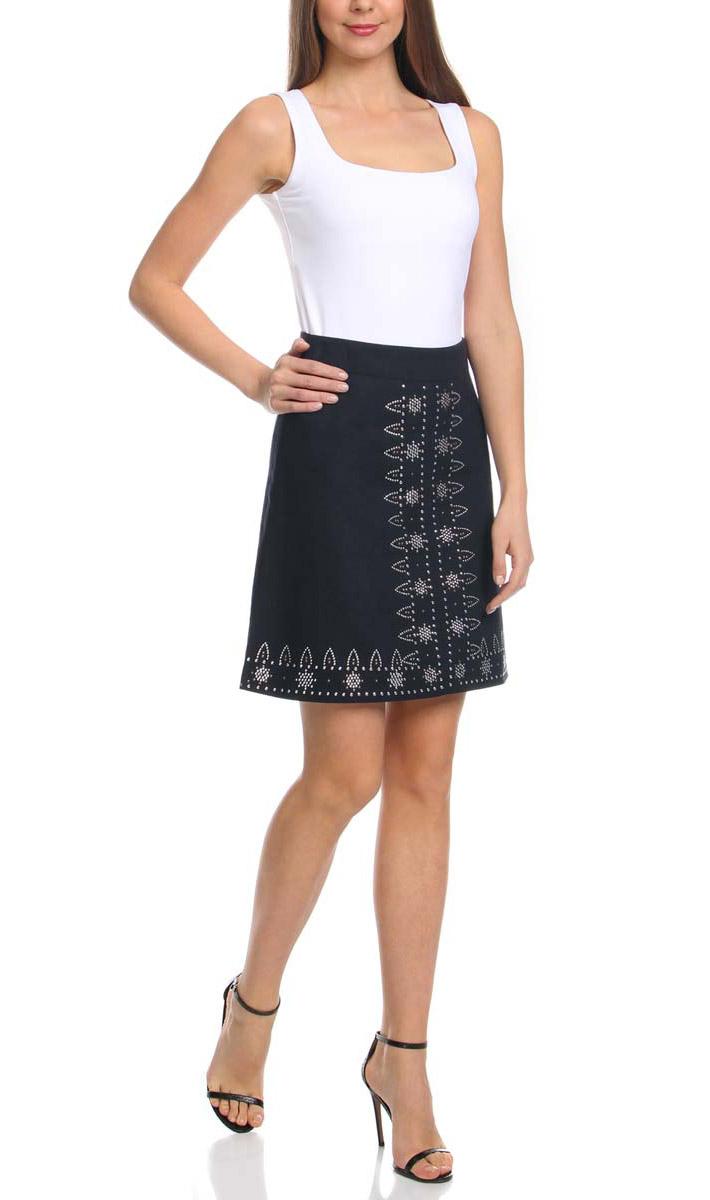 Юбка oodji Ultra, цвет: темно-синий. 11600425/16009/7900N. Размер 34-170 (40-170)11600425/16009/7900NЛьняная юбка трапециевидного силуэта оформлена металлическим этническим декором. Сзади модель застегивается на потайную застежку-молнию.