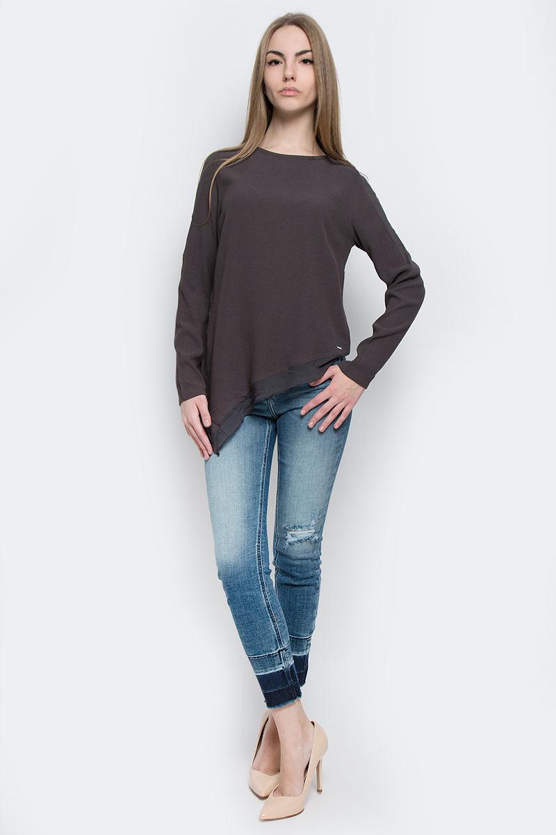 Блузка женская Calvin Klein Jeans, цвет: темно-серый. J20J201251_0040. Размер L (46/48)J20J201251_0040Стильная женская блузка Calvin Klein Jeans, выполненная из натуральной вискозы и полиэстера, подчеркнет ваш уникальный стиль и поможет создать женственный образ. Модель c круглым вырезом горловины и длинными рукавами застегивается на потайную молнию по спинке. Низ изделия по одной стороне удлинен. Рукава по всей длине и низ блузки оформлены вставками из полупрозрачной ткани.
