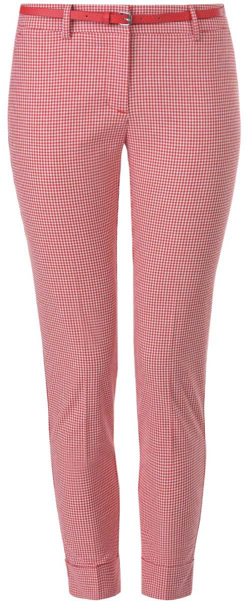 Брюки женские oodji Ultra, цвет: красный, белый. 11703057-8/43273/1245C. Размер 36-170 (42-170)11703057-8/43273/1245CСтильные женские брюки oodji выполнены из хлопка, полиэстера с добавлением эластана. Модель со стандартной посадкой оформлена сзади декоративными вшитыми карманами. Спереди брюки имеют гульфик на молнии и застегиваются на пуговицу и застежку-крючок. Также модель оснащена шлевками и тонким ремнем с декоративной перфорацией. Низ брюк оформлен декоративными подворотами.