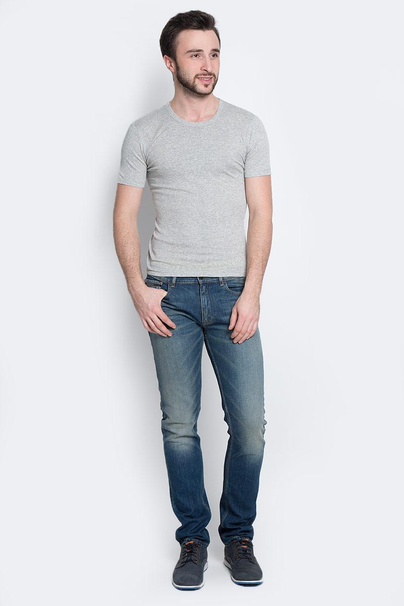 Футболка мужская Torro, цвет: серый меланж. TMF101R. Размер XL-B (52B)TMF101RМужская футболка Torro, изготовленная из натурального хлопка,мягкая и приятная на ощупь, не сковывает движения, обеспечивая наибольшийкомфорт.Модель полуприлегающего силуэта с короткими рукавами и круглым вырезом горловины.Эта футболка - практичная вещь, которая, несомненно, впишется в ваш гардероб, вней вы будете чувствовать себя уютно и комфортно.