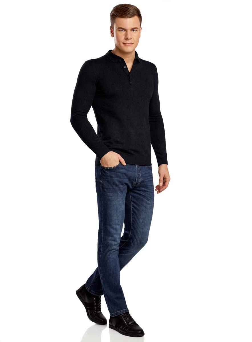 Джемпер мужской oodji Basic, цвет: черный. 4B514000M/44359N/2900N. Размер L (52/54)4B514000M/44359N/2900NДжемпер мужской oodji Basic исполнен из натуральной шерсти. Изделие имеет длинные рукава, воротник-поло. Манжеты и низ джемпера оформлены текстильными резинками. Изделие застегивается на три пуговицы под воротничком.