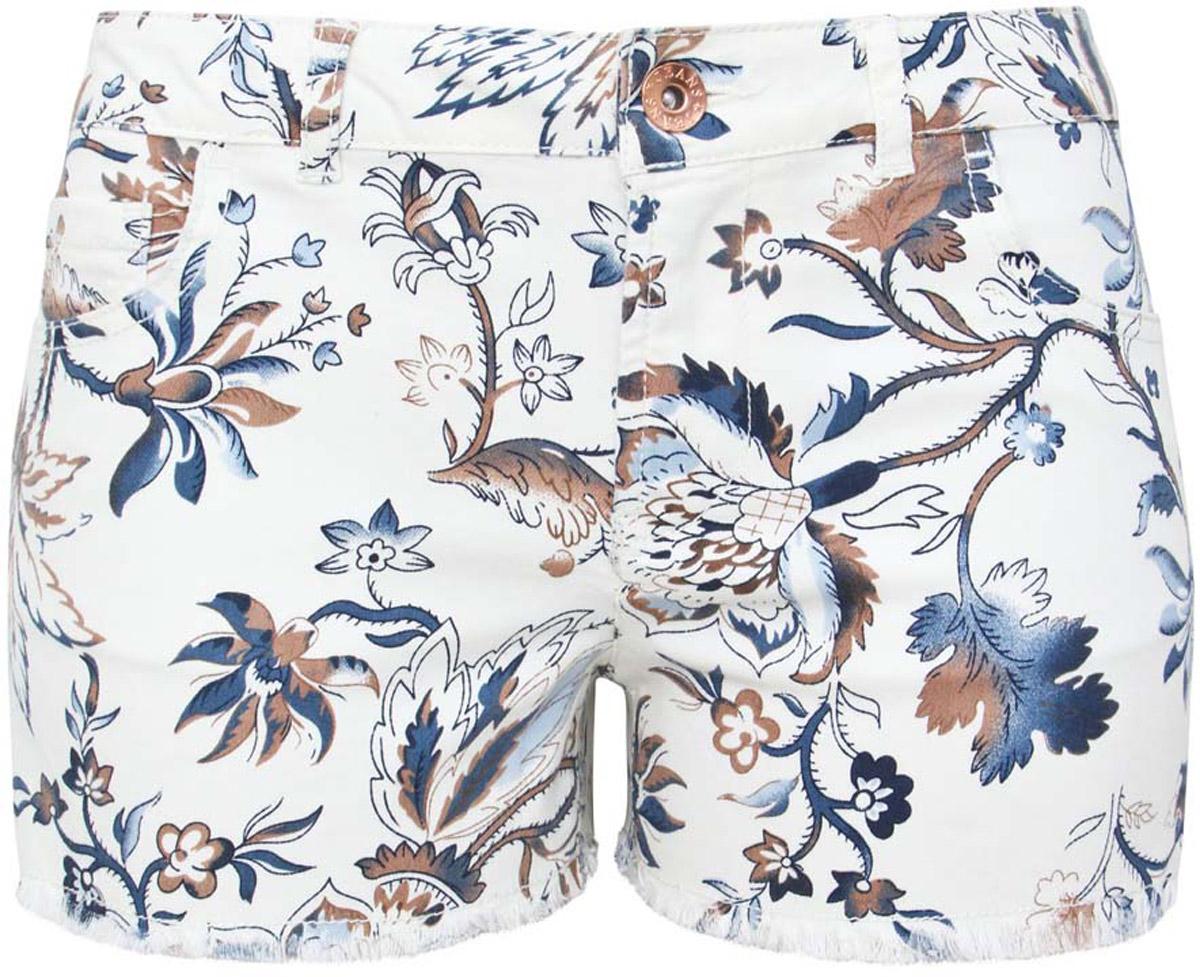 Шорты женские oodji Denim, цвет: белый, бежевый, синий. 12807063/42858/3079E. Размер 29 (48)12807063/42858/3079EСтильные женские шорты oodji Denim изготовлены из хлопка с добавлением полиэстера и эластана. Шорты застегиваются на пуговицу в поясе и ширинку на застежке-молнии, имеются шлевки для ремня. Спереди расположены два втачных кармана и один небольшой накладной кармашек, а сзади - два накладных кармана. Модель оформлена цветочным принтом.