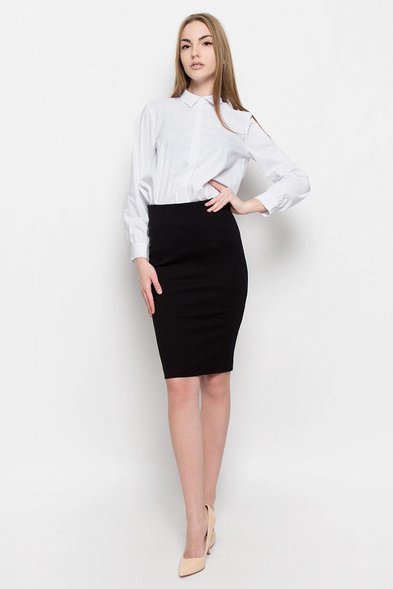 Юбка Ruxara, цвет: черный. 2400109. Размер 562400109Классическая юбка-карандаш Ruxara выполнена из плотного джерси. Модель дополнена широкой резинкой по талии. В среднем шве спинки по низу имеется разрез с застежкой на потайную молнию. Элегантная и стильная юбка - идеальное решение на каждый день.