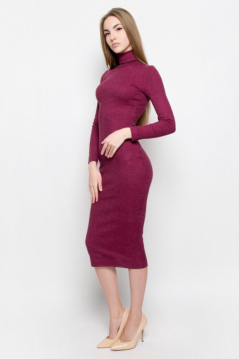 Платье Ruxara, цвет: гранатовый. 114900. Размер 44114900Элегантное и уютное платье макси изготовлено из вязаного трикотажа. Модель облегающего кроя с длинным рукавом и высоким воротником гольф.