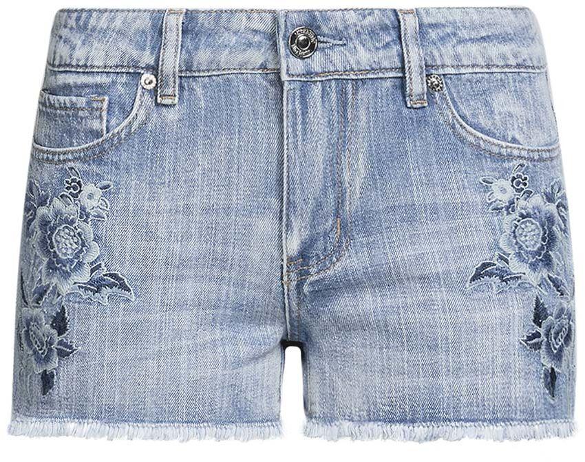 Шорты женские oodji Denim, цвет: голубой джинс. 12807077-1/46278/7000W. Размер 27 (44)12807077-1/46278/7000WСтильные женские шорты oodji Denim изготовлены из 100% хлопка. Шорты застегиваются на металлическую пуговицу в поясе и ширинку на застежке-молнии. На поясе предусмотрены шлевки для ремня. Спереди расположены два прорезных кармана и один накладной кармашек, сзади - два накладных кармана. Лицевая сторона шорт дополнена цветочной вышивкой.
